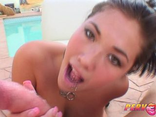 A young girl shows a guy a Golden shower and her sexual skills