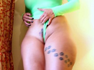 Mature mistress in a wig rigidly jerks off the guy's cock with her hands